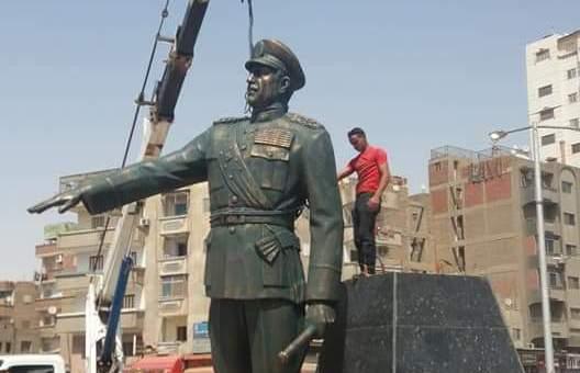 تمثال الرئيس السادات
