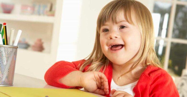 أنواع متلازمة داون وأكثر الأعراض التي تميز المصاب بمتلازمة داون