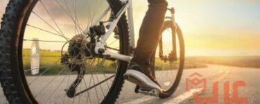 ركوب الدراجة مع شخص في المنام