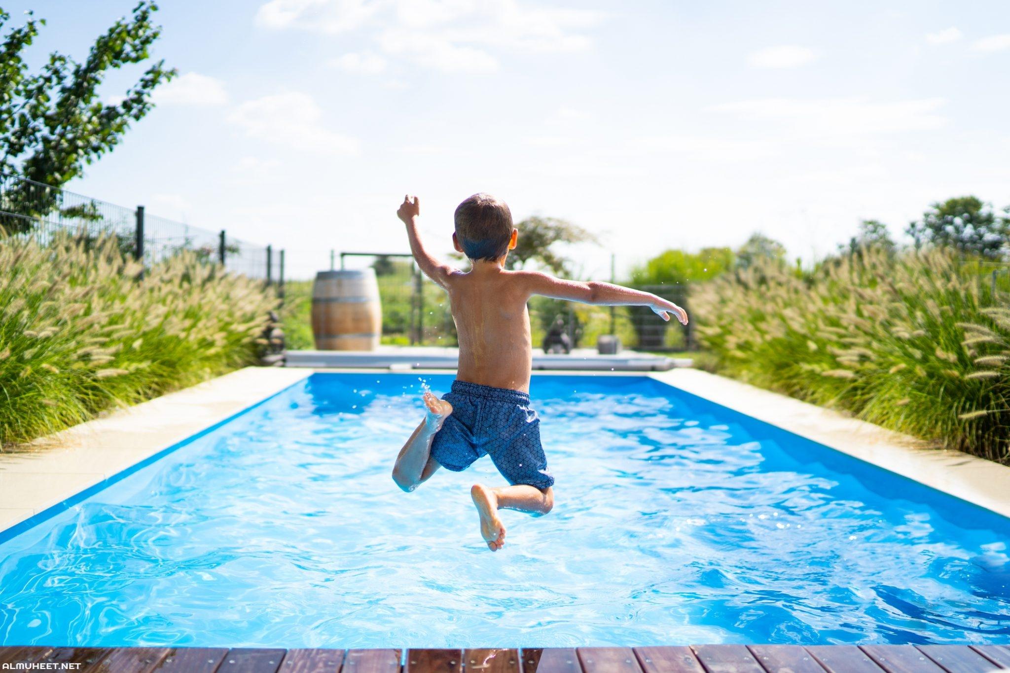 تفسير حلم القفز في المسبح