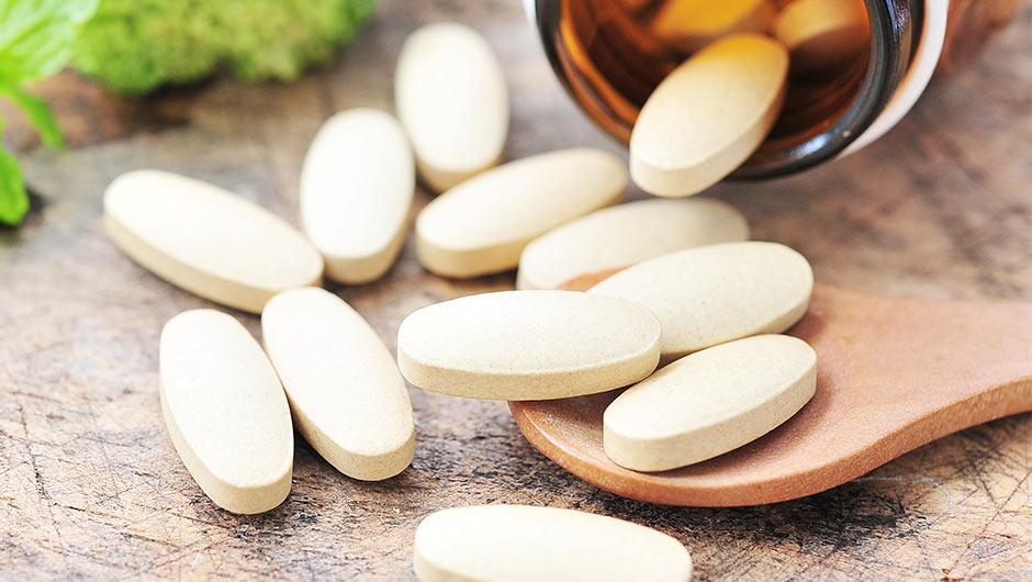 فيتامين للشعر والاظافر أفضل فيتامين للشعر والاظافر من الصيدلية